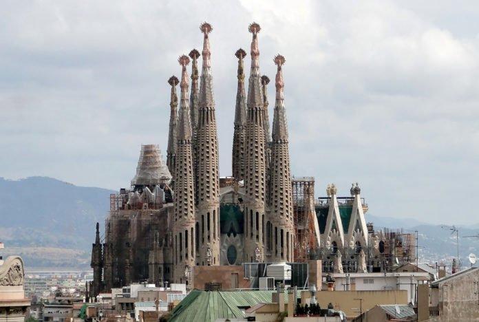 Sagrada_Familia_01 by Bernard Gagnon